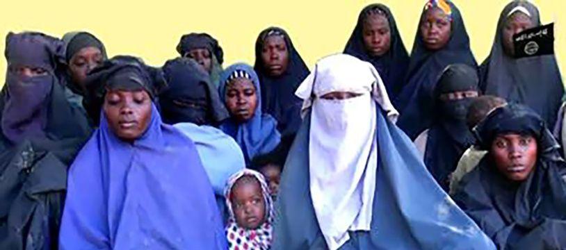 Une nouvelle vidéo diffusée par le groupe djihadiste nigérian Boko Haram, montre 14 lycéennes présumées de Chibok