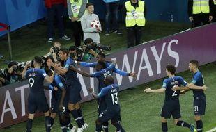 La joie des Bleus après avoir ouvert le score lors de France-Belgique, le 10 juillet 2018.