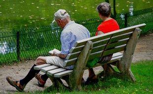 Illustration de personnes âgées sur un banc.