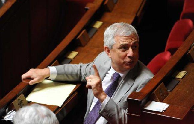 Le socialiste Claude Bartolone lors des questions aux gouvernement à l'Assemblée, le 15 juin 2010.