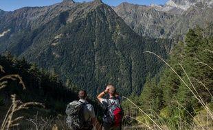 Dans les Hautes-Pyrénées, sur un circuit ours avec deux agents de l'ONCFS, David et Loïc.