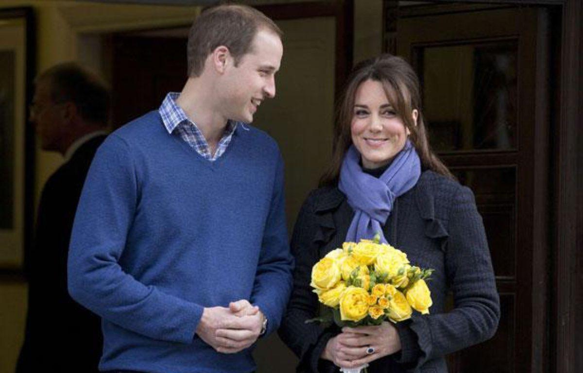 Le Prince William et son épouse Catherine quittent l'hôpital King Edward VII de Londres, le 6 décembre 2012. – Alastair Grant/AP/SIPA