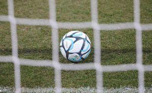 Clermont, actuel deuxième de Ligue 2, a dénoncé des messages racistes contre ses joueurs, diffusés sur Instagram et Facebook.