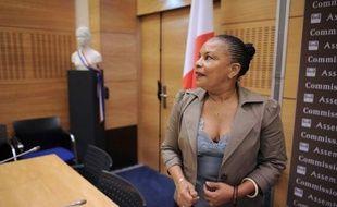 """La ministre de la Justice Christiane Taubira a vivement répliqué jeudi aux """"procès en laxisme"""" qui lui sont faits par la droite, à qui elle a retourné l'accusation d'avoir mis """"en péril la sécurité des Français""""."""