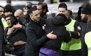 Des supporters du TFC en colère contre la direction du club à la fin du match de Ligue 1 contre Reims, le 14 décembre 2019 au Stadium de Toulouse.