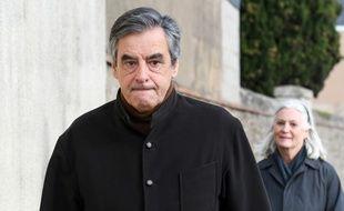 Sablé-sur-Sarthe, le 15 décembre 2019. François Fillon et son épouse Penelope sont accusés de «détournement de fonds publics» et «d'abus de biens sociaux».