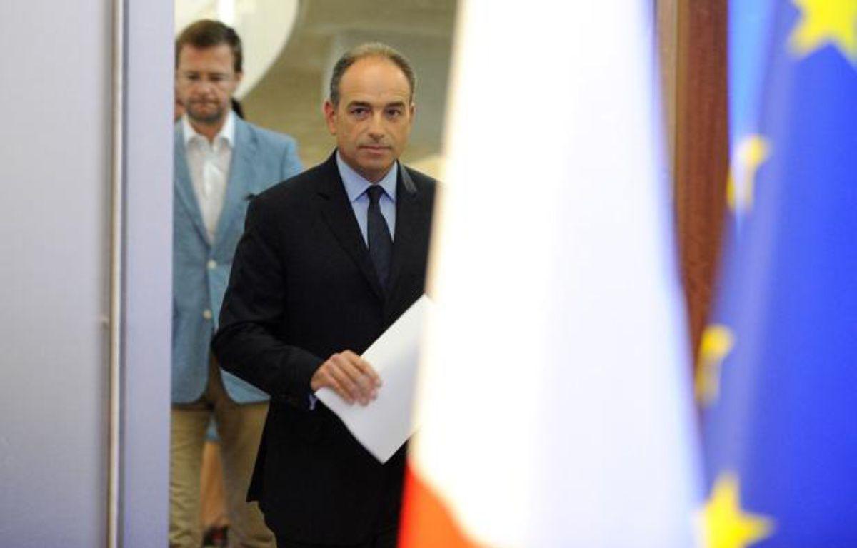 Jean-François Copé s'apprête à donner une conférence de presse après les résultats du deuxième tour des législatives, le 17 juin 2012. – WITT / SIPA
