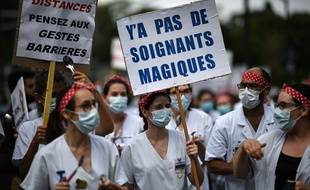 Manifestation de soignants à Paris, le 11 juin 2020.