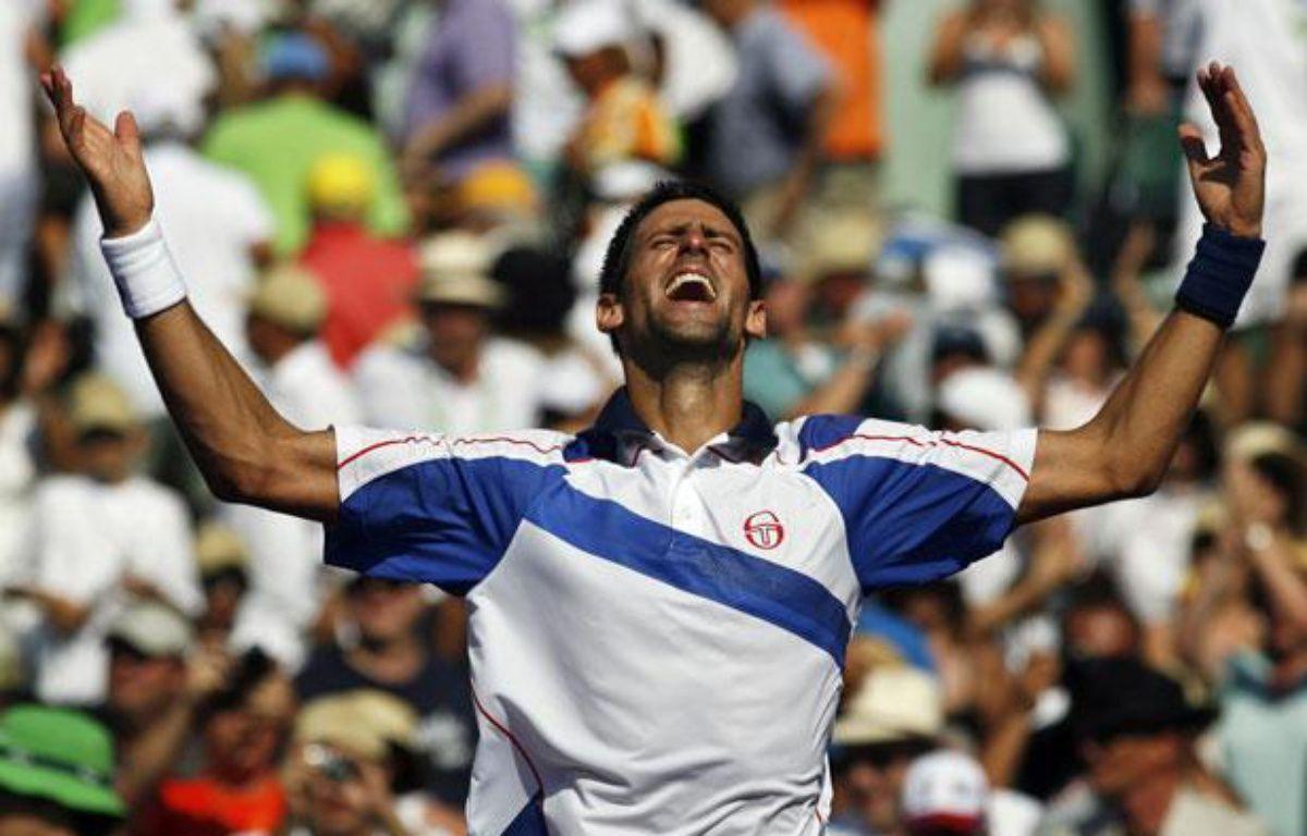 Novak Djokovic juste après sa victoire au tournoi de Miami contre Rafael Nadal, le 3 avril 2011. – A.INNERARITY/REUTERS