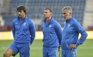 Oleksandr Shovkovskiy (à gauche) va reprendre du service face aux Bleus. Enfin, peut-être.