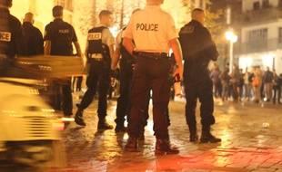 Illustration d'une intervention de la police, ici sur la très festive place des Lices, à Rennes.