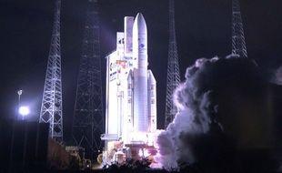 Le décollage de la fusée Ariane 5, qui a placé deux satellites de télécommunications en orbite le 18 février 2020.