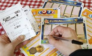 Lille, le 9 avril 2012. Illustration Loto - Euromillions, fdj, franaise des jeux.