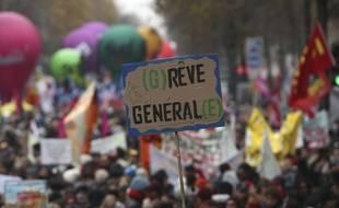 Lors de la manifestation parisienne du 5 décembre contre la réforme des retraites.