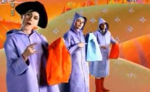 Billy Ze Kick dans son clip Mangez-moi sorti en 1994.