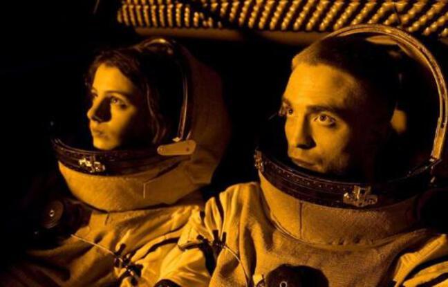 Jessie Ross et Robert Pattinson dans High Life de Claire Denis