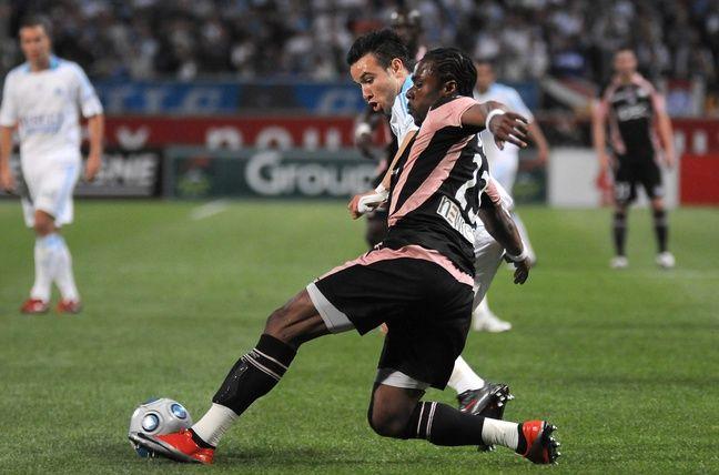 Avec le TFC contre l'OM de Mathieu Valbuena, le 2 mai 2009 au Vélodrome.
