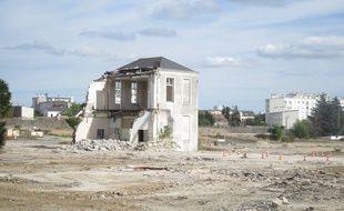 La démolition complète de ce bâtiment aura lieu une fois les fouilles archéologiques finies
