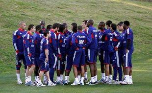 Les joueurs de l'équipe de France de football réunis, ils boycottent l'entraînement, le 21 juin 2010