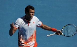 Jo-Wilfried Tsonga et Richard Gasquet, les deux derniers français en lice, ont quitté sur un goût d'inachevé l'Open d'Australie, sans pouvoir accompagner en quarts de finale Andy Murray et Novak Djokovic, lequel a peiné pour la première fois, face à Lleyton Hewitt, lundi à Melbourne.