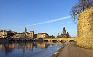 """Le restaurant """"Le K"""", situé place du Pont des Roches, avait déversé ses eaux usées dans la Moselle."""