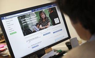 Lille, le 25 avril 2017. Le conseil regional des Hauts-de-France a lance une section offres d'emploi sur sa page Facebook.