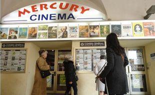 Le cinéma Mercury, à Nice, est géré par le conseil départemental des Alpes-Maritimes.