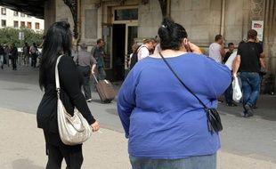 Jeune femme obèse, illustration.