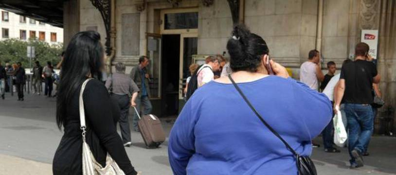 Une jeune femme obèse. (Illustration)