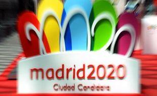 Ployant sous une lourde dette dans une Espagne enfoncée dans la crise depuis cinq ans, Madrid a parié sur une candidature austère pour les JO d'été de 2020, espérant ainsi séduire le CIO qui doit se décider samedi à Buenos Aires.
