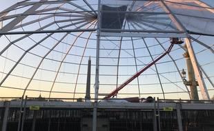 Paris, le 18 novembre 2018. - Une grosse bulle ou une soucoupe volante, au choix, sur place de la Concorde à Paris. La raison? C'est le plateau du Téléthon 2018.