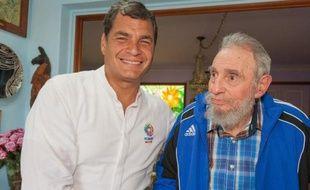 Le père de la Révolution cubaine Fidel Castro, 87 ans et retiré du pouvoir depuis 2006, a profité du sommet de la Communauté des Etats d'Amérique latine et des Caraïbes (Celac), conclu mercredi à La Havane, pour recevoir de nombreux dignitaires et apparaître en photo dans les médias cubains.