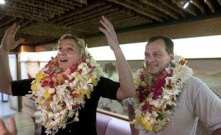 Marine Le Pen s'est vivement opposée vendredi à Tahiti à l'indépendance de la Polynésie française, alors que la campagne électorale pour le renouvellement de l'assemblée locale les 21 avril et 5 mai y bat son plein.