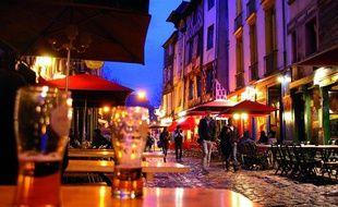Célèbre pour ses bars, la rue de la Soif de Rennes veut retrouver son côté festif.