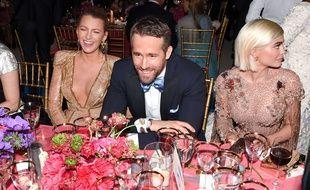 Ryan Reynolds, ici entouré de sa femme Blake Lively et de la star de télé réalité Kylie Jenner au Metropolitan Museum of Arts
