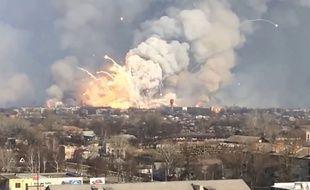 Une explosion impressionnante en Ukraine - Le Rewind