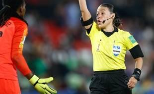 La gardienne nigériane avertie contre la France.