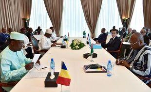 Le président Emmanuel Macron assisté à la réunion du G5 Sahel dimanche 2 juillet qui a acté la création d'une force antidjihadiste pour faire face à la menace terroriste.