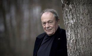 """L'ancien Premier ministre socialiste Michel Rocard a affirmé lundi qu'il avait été """"le premier à dire"""" que Dominique Strauss-Kahn était """"malade"""", ajoutant que l'ex-patron du FMI vivait """"une histoire assez épouvantable qui le détruit lui-même""""."""