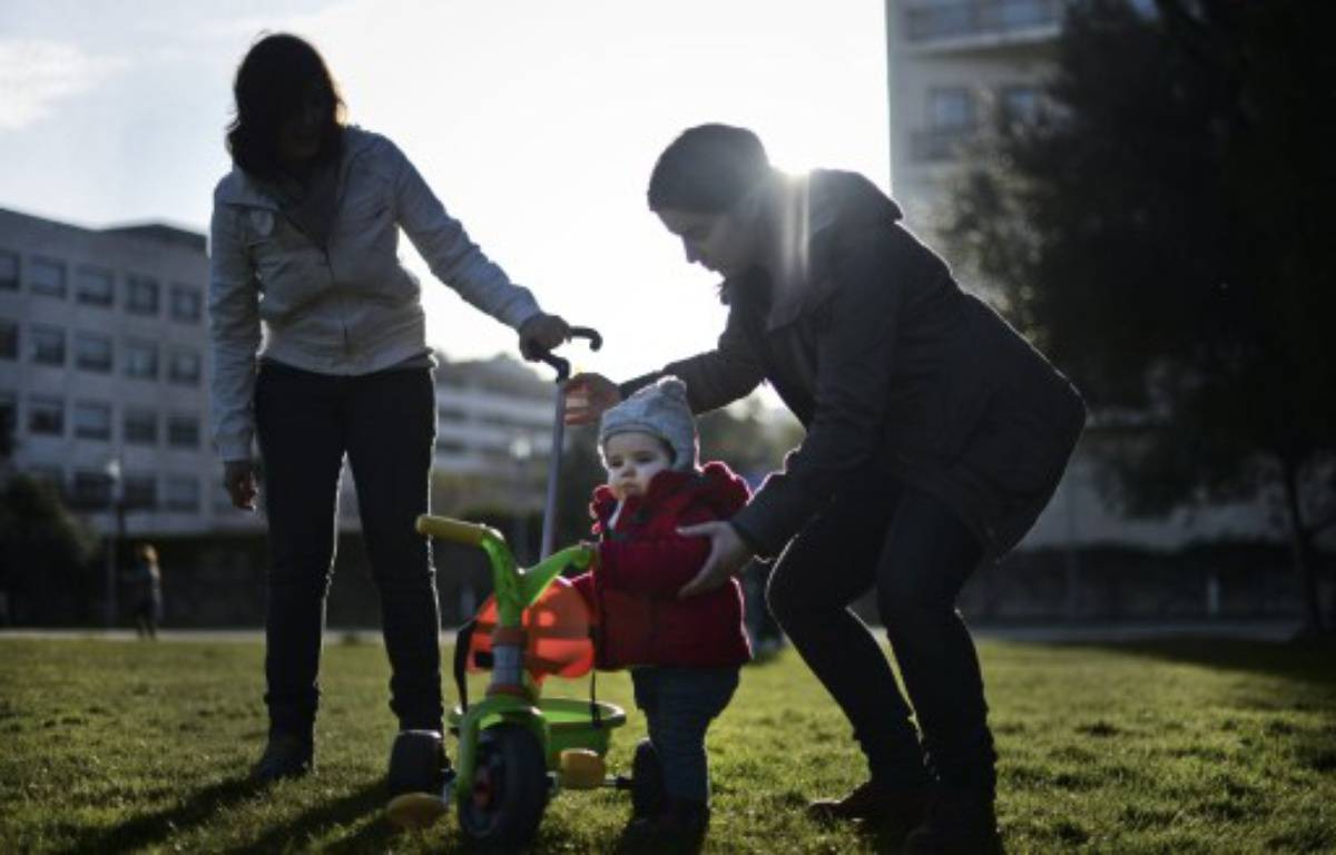 Une famille homoparentale, au Portugal, le 23 février 2014. – PATRICIA DE MELO MOREIRA / AFP