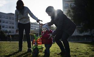 Une famille homoparentale, au Portugal, le 23 février 2014.