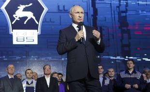 Vladimir Poutine lors d'un discours devant les ouvriers de GAZ factory, àNizny Novgorod, le 6 décembre 2017.
