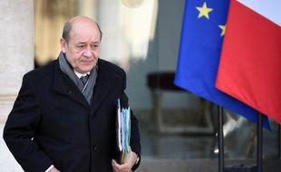 Le ministre de la Défense Jean-Yves Le Drian à la sortie du Conseil des ministres le 4 février 2015 à Paris.