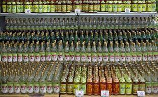 Des boissons nord-coréenne dans un magasin à Pyongyang, le 9 octobre 2011.
