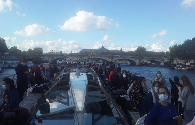 """On board the Bateaux-Parisiens, many passengers had come during the first week of All Saints' Day.  The company had adapted its offer by launching, in July, the operation """"children first"""".  Nicolas Poncy, head of the sales department, said he had received 1,000 children in July."""