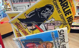 Le journal satirique «Charlie Hebdo» en kiosque.