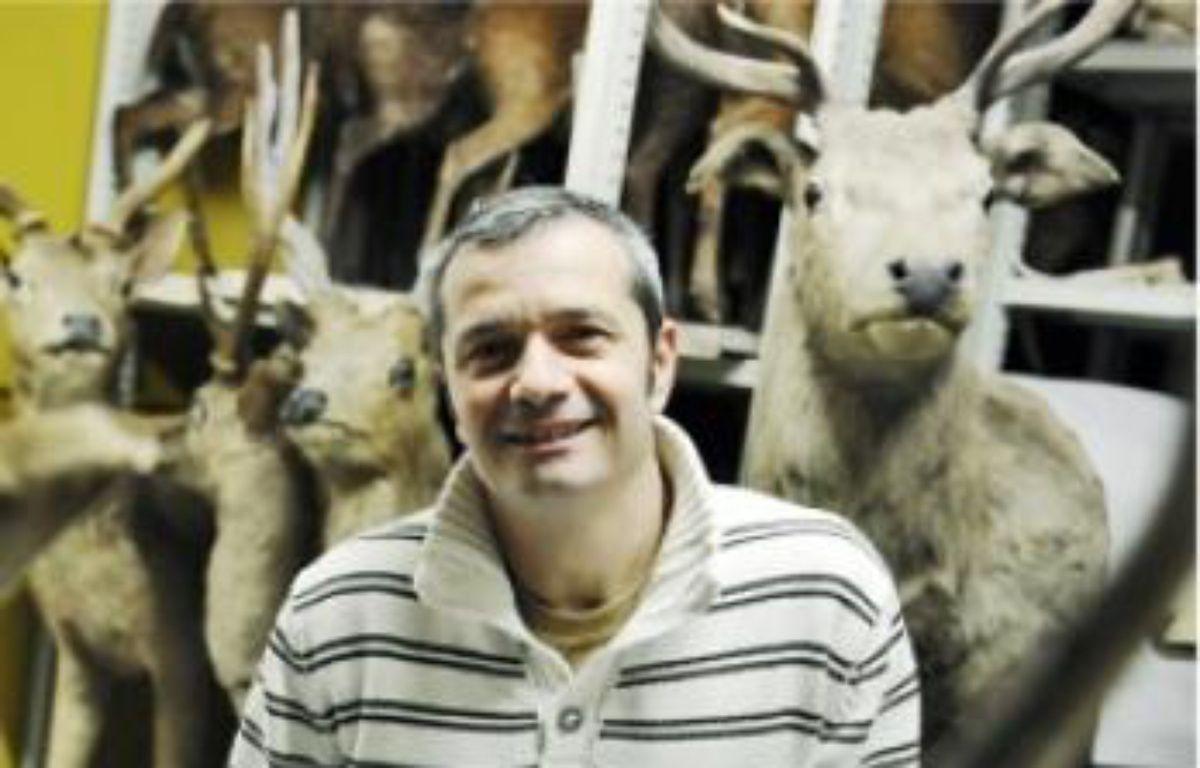 Jacques Cuisin s'occupe de la zoothèque. –  S. ORTOLA / 20 MINUTES