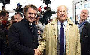 Le maire de Bordeaux a accueilli François Baroin. / AFP PHOTO / MEHDI FEDOUACH