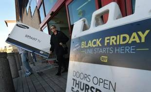 """Une boutique à Los Angeles, en Californie, pendant le """"Black Friday"""", le 27 novembre 2015"""