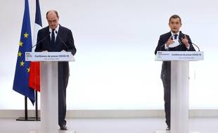 Le Premier ministre et le ministre de l'Intérieur lors de la conférence de presse sur le couvre-feu organisée à Matignonce jeudi.